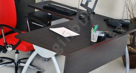 trade-office-tables